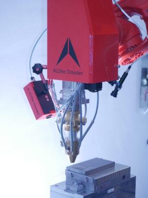Bearbeitungsoptik zum Laserpulverauftragschweißen - ALOpowderZOOM